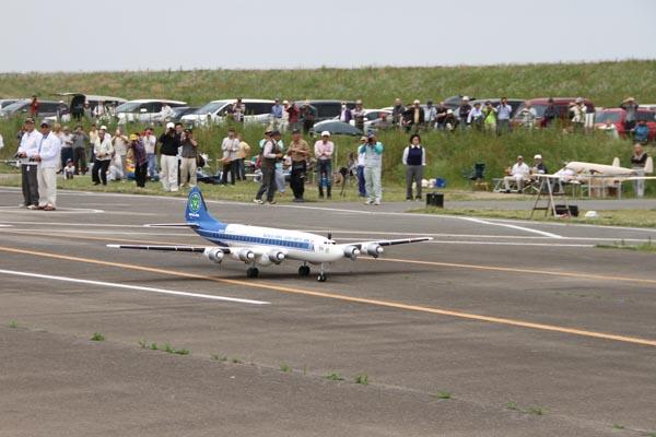905愛好家らが集まる尾島RCスカイポート=5月15日、中島飛行機スケール大会0