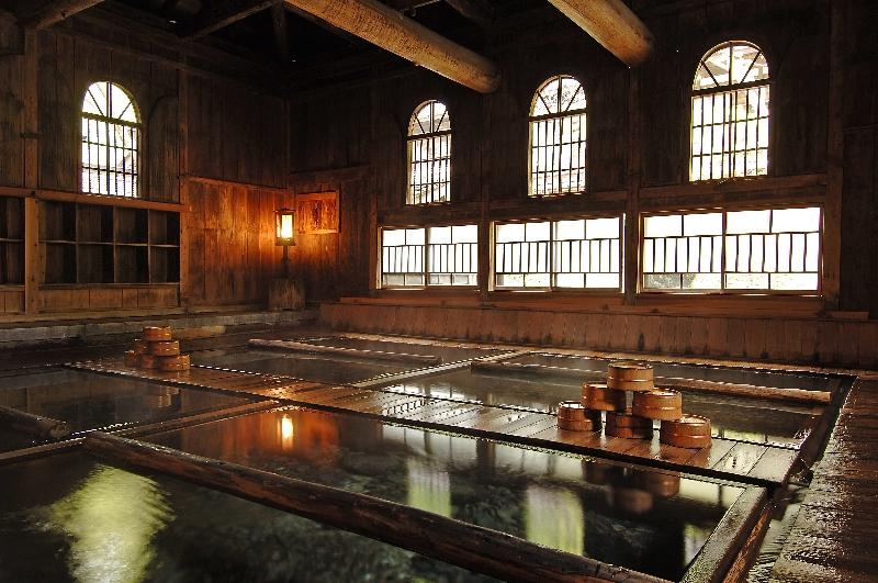 0120法師温泉長寿館で人気の高い法師乃湯。通常は混浴だが、期間中は女性専用となる