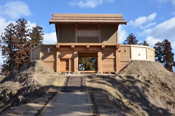 【直政】昨年11月に復元された郭馬出西虎口門