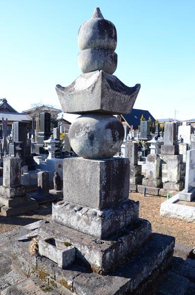 【直政7】唐梅院が眠る市指定史跡「井伊直政正室の墓」=大泉寺