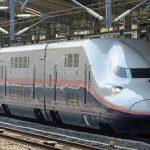 0326上越新幹線を走っている2階建ての「E4系」=JR高崎駅