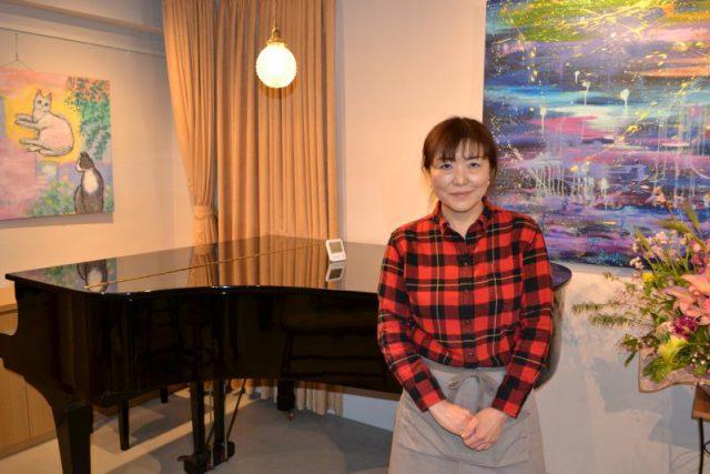 レンタルスペースについて、「大人の音楽発表会などで気軽に使ってほしい」と話す佐藤さん